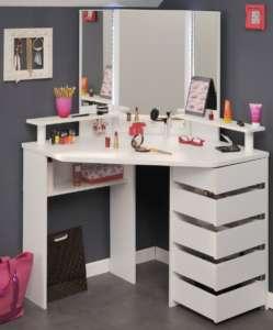schminktisch mit beleuchtung licht f r deinen schminktisch. Black Bedroom Furniture Sets. Home Design Ideas